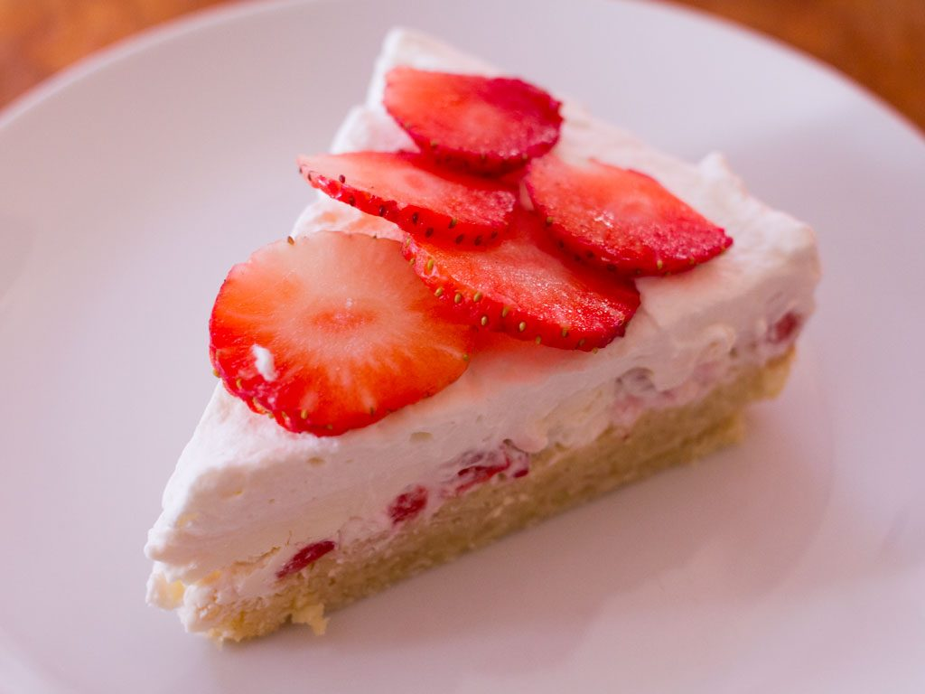 low-carb-strawberry-shortcake-01