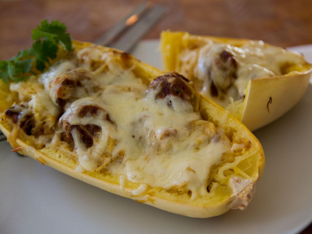 spaghetti-squash-alfredo-boats-01