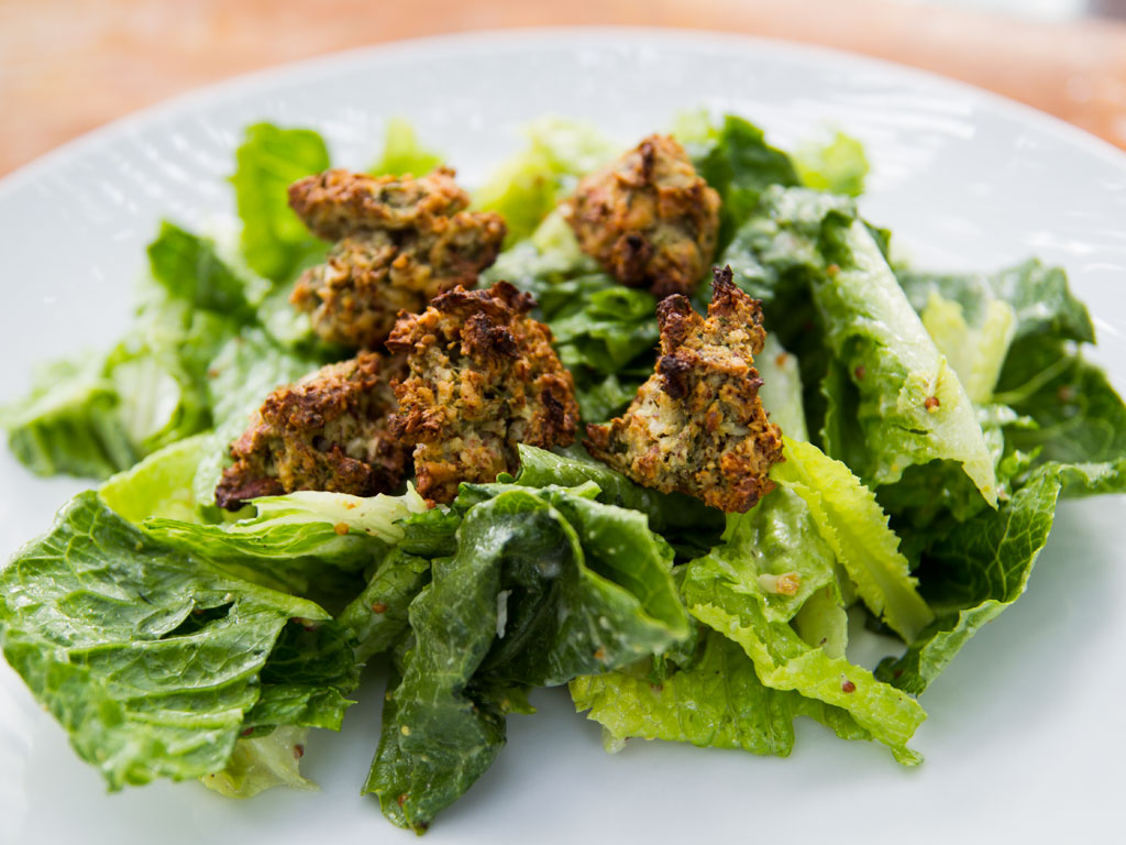 caesar-salad-with-nutty-croutons-01