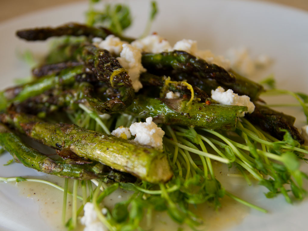 grilled-asparagus-and-pea-shoot-salad-01