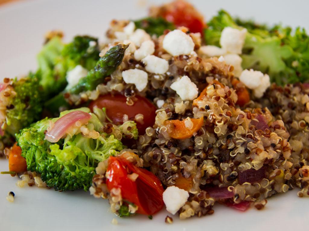 broccoli-asparagus-and-quinoa-stir-fry-03