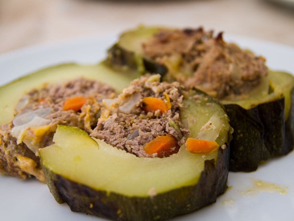 giant-grilled-stuffed-zucchini-01