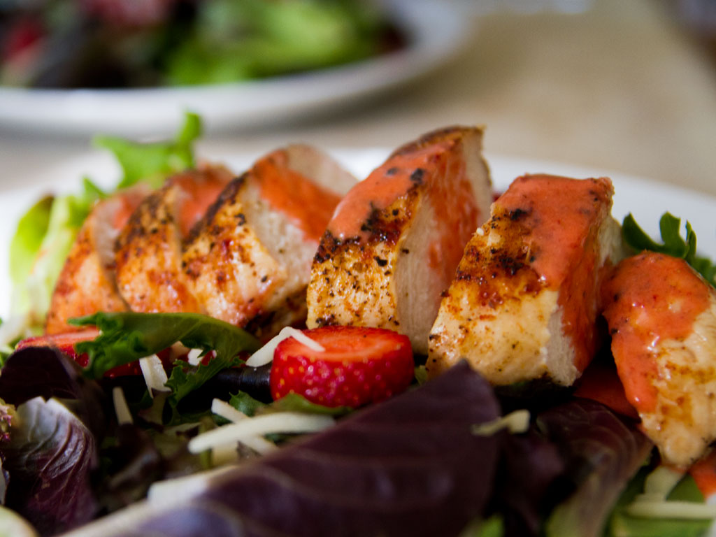 chicken-and-strawberry-salad-01
