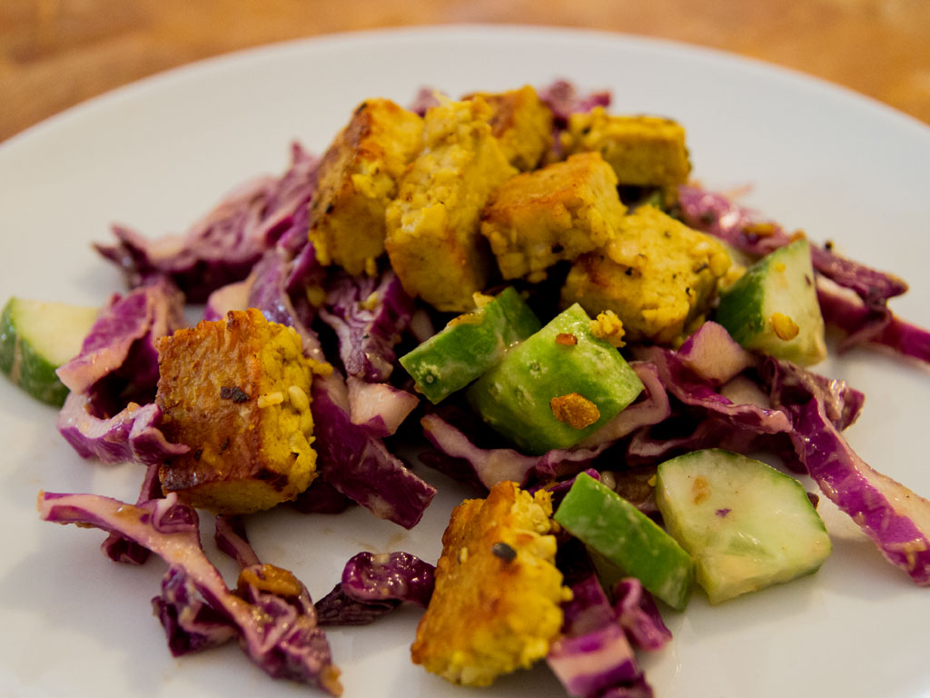 red-cabbage-salad-with-curried-tofu-01