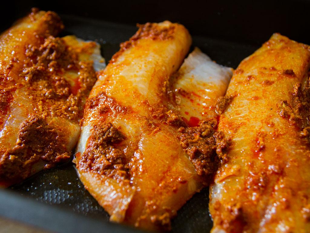 omega-3-roasted-tilapia-tomato-curry-sauce-03