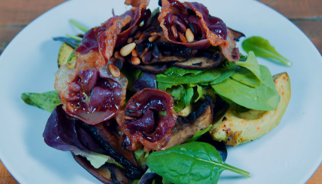 avocado-pancetta-salad