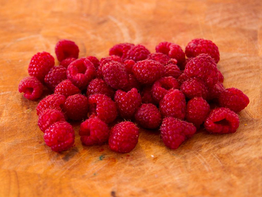 sparkling-raspberry-vanilla-cream-03