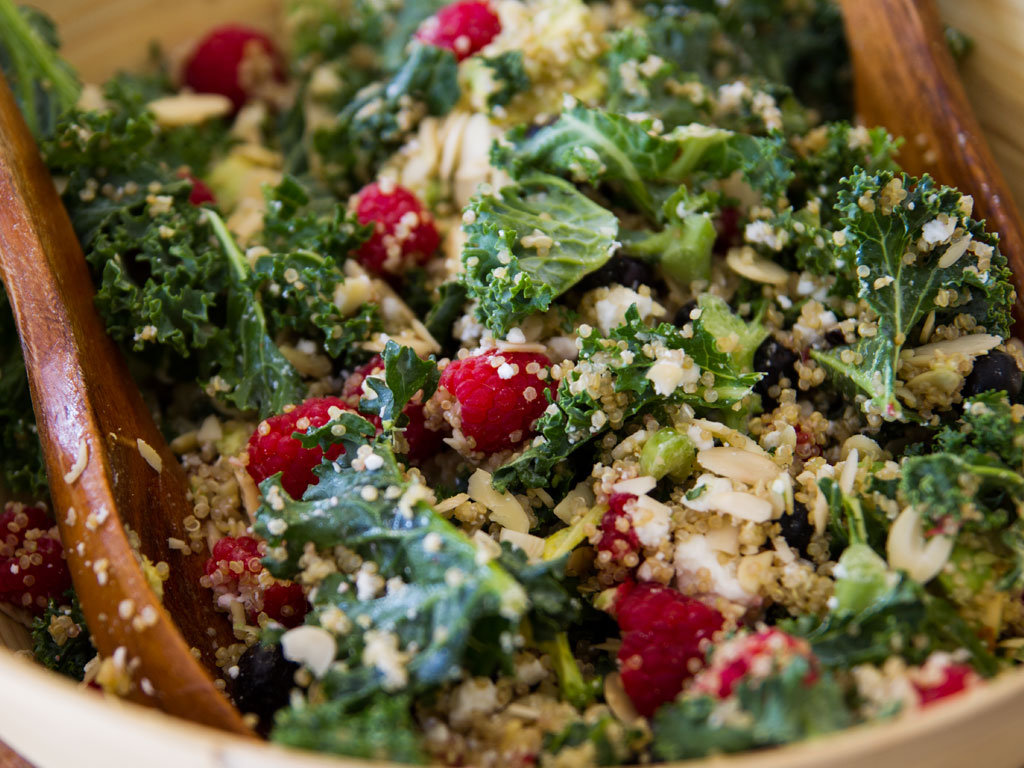 kale-and-quinoa-salad-with-berries-and-poppy-seed-dressing-01