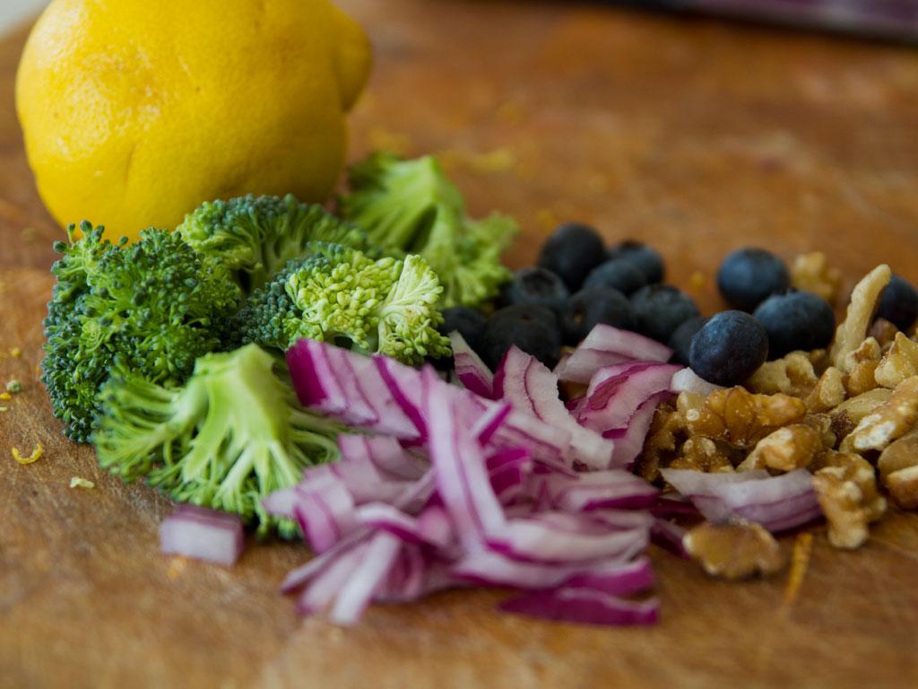 broccoli-salad-with-agave-toasted-walnuts-02
