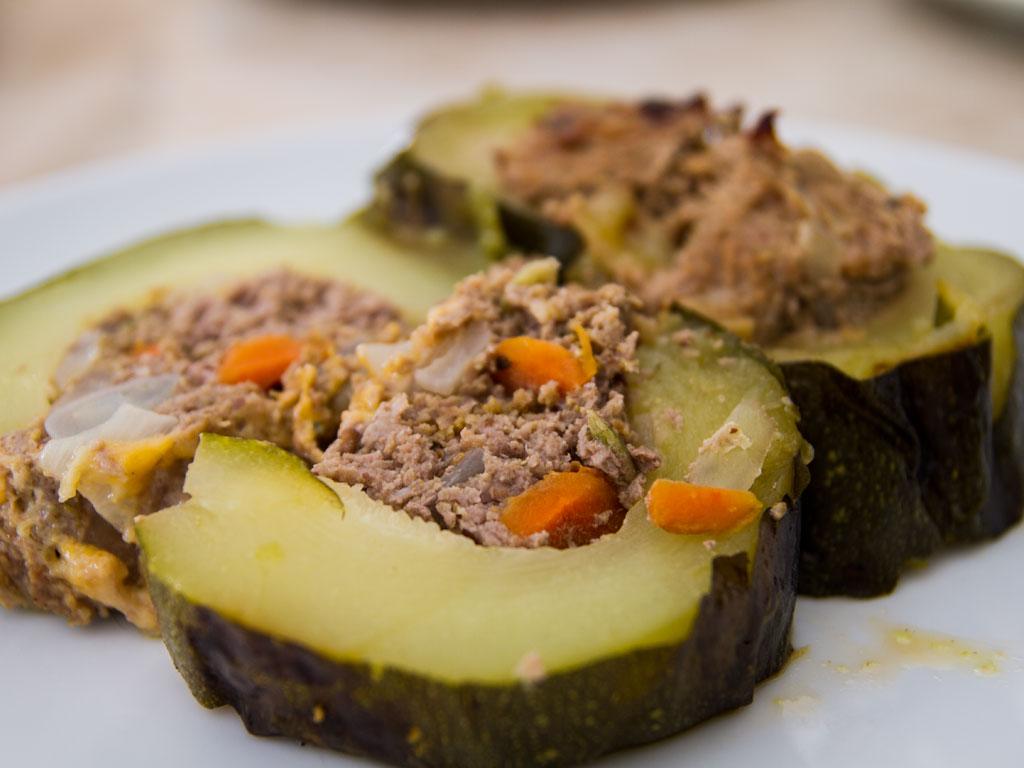 giant-grilled-stuffed-zucchini-01